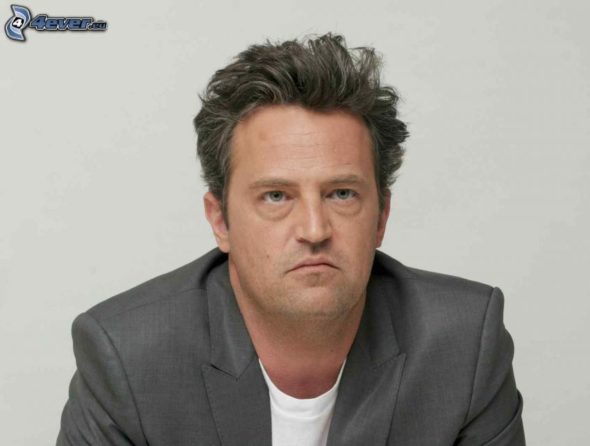 Matthew Perry, man i kostym