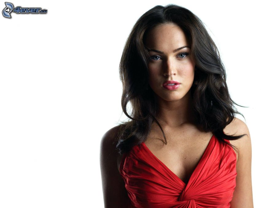 Megan Fox, röd klänning
