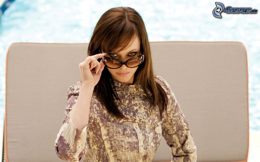 Melinda Clarke, solglasögon