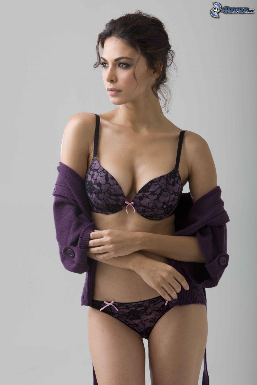 Moran Atias, lila underkläder, tröja
