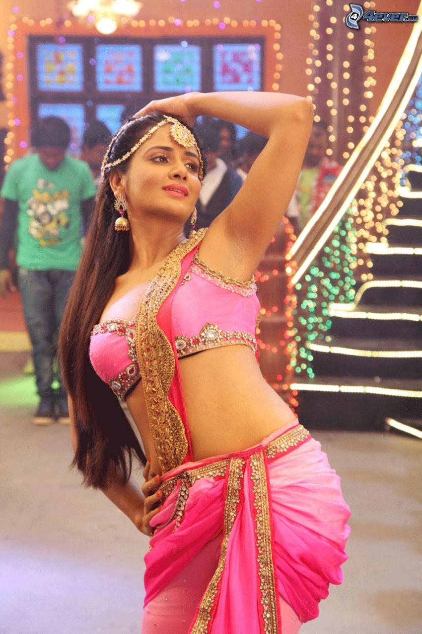 Parul Yadav, dansös