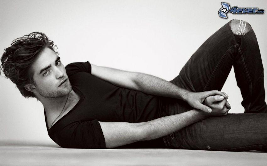 Robert Pattinson, svartvitt foto