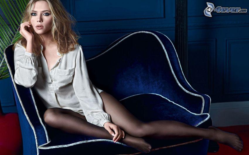 Scarlett Johansson, skådespelerska, fåtölj