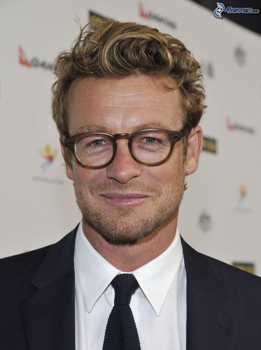 Simon Baker, man med glasögon