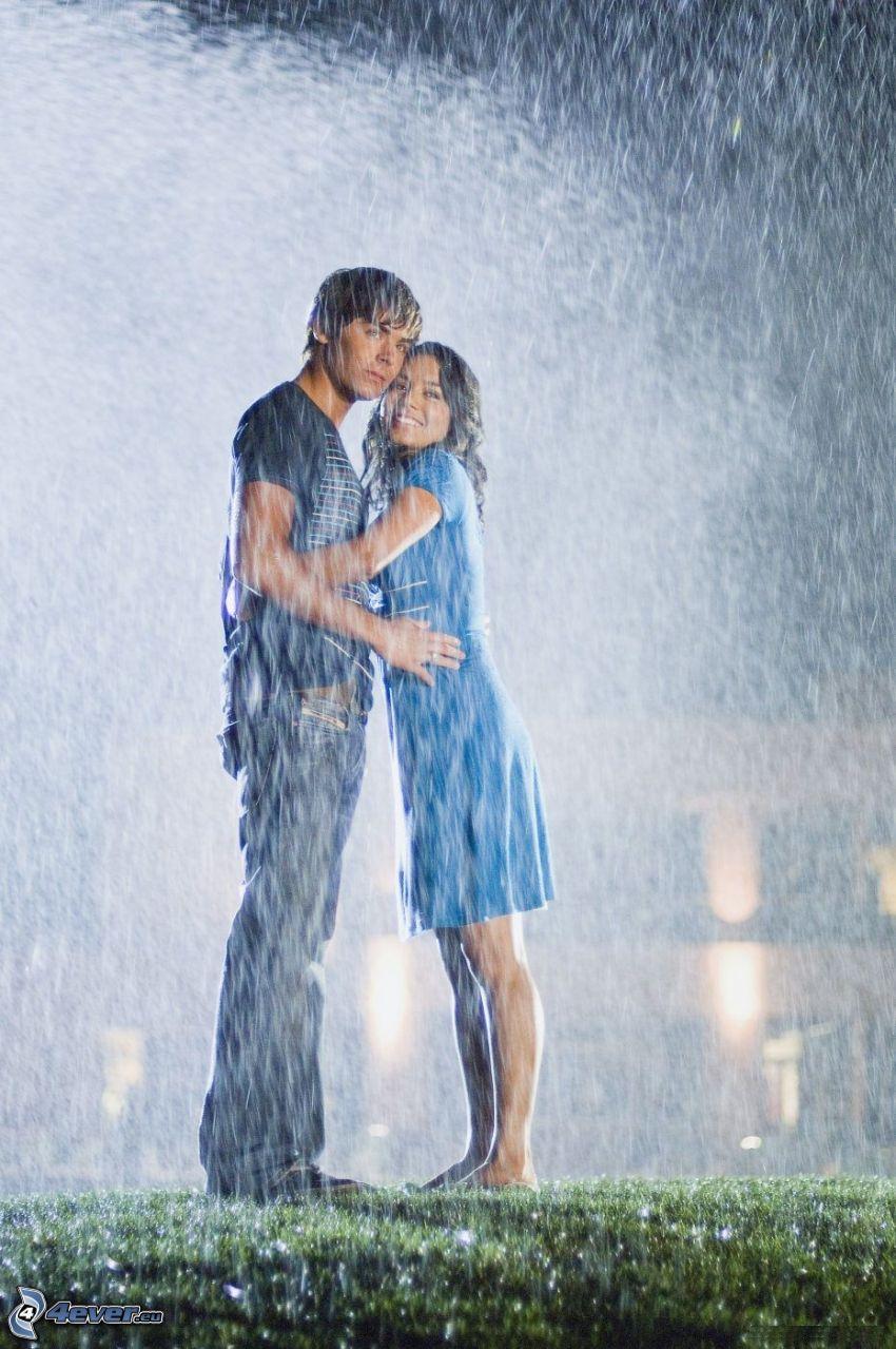 Zac Efron och Vanessa Hudgens, regn