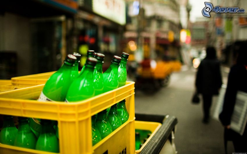 flaskor, lådor