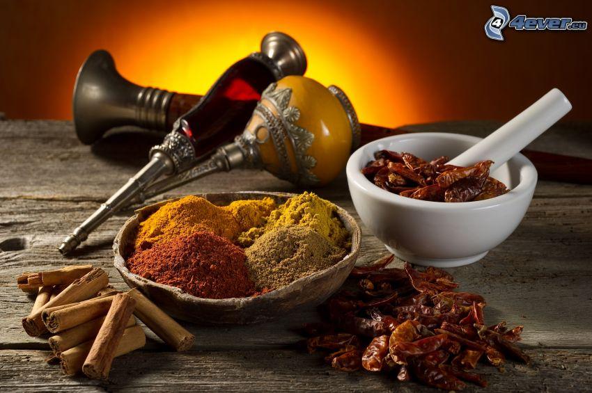 kryddor, kanel, röda chilipaprikor
