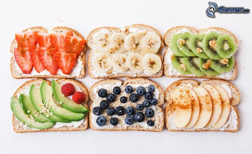 rostat bröd, jordgubbar, banan, kiwi, avokado, blåbär, äpple