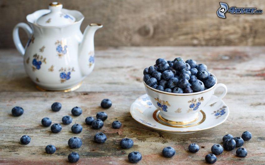 tekanna, kopp, blåbär