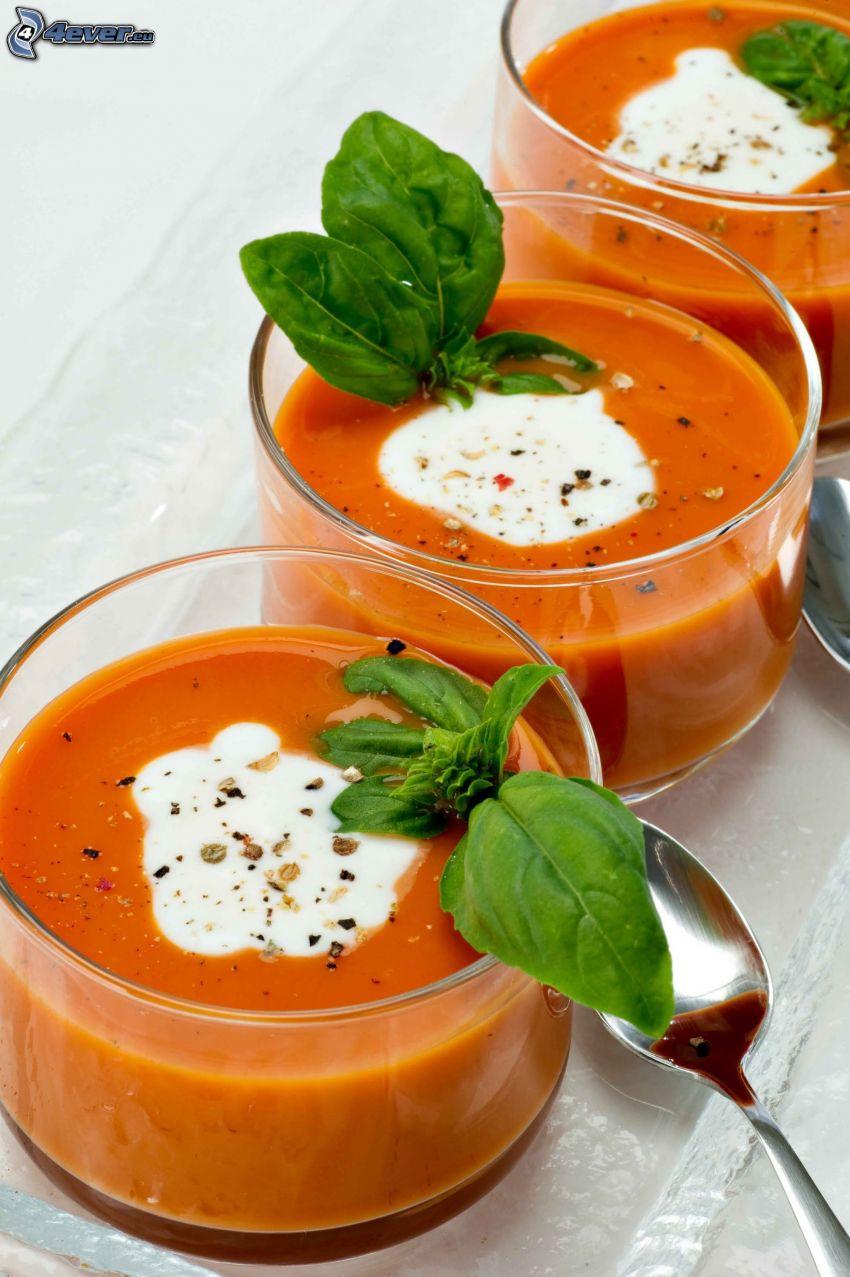 tomatsoppa, basilika