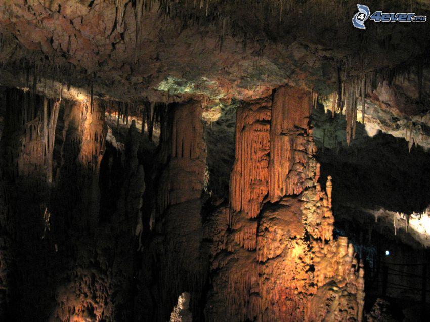Avshalom, grotta, stalagnater