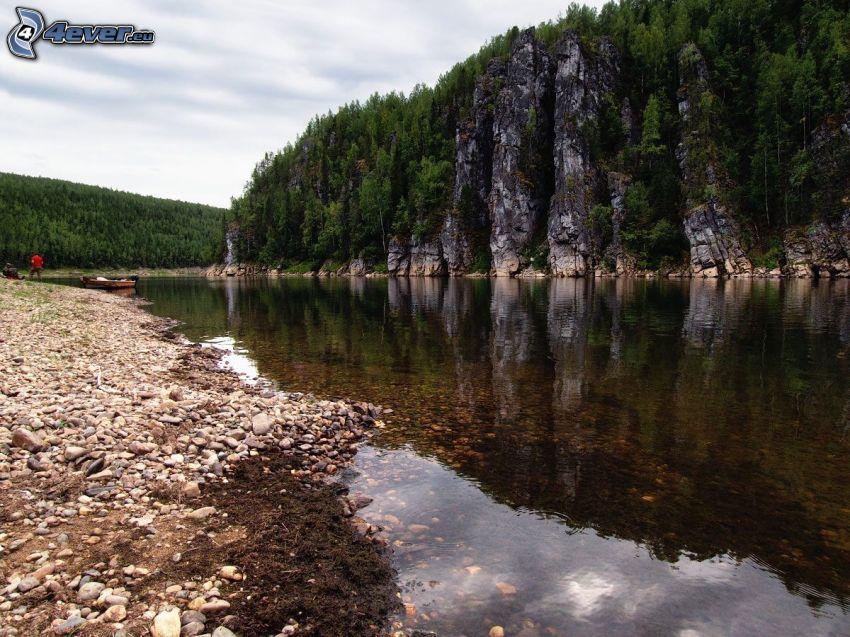 bäck, klippor, spegling