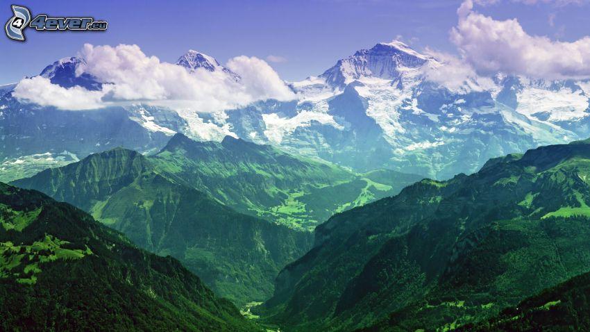 Alperna, klippiga berg, moln