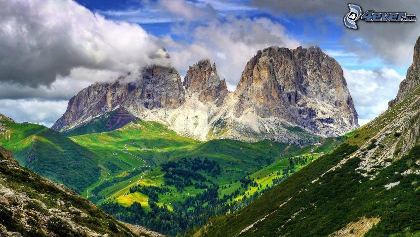 Dolomiterna, dal, klippiga berg
