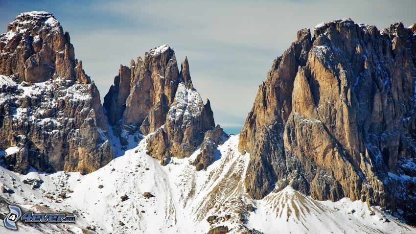 Dolomiterna, klippiga berg, snö
