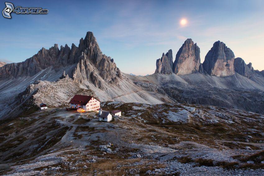 Dolomiterna, klippiga berg
