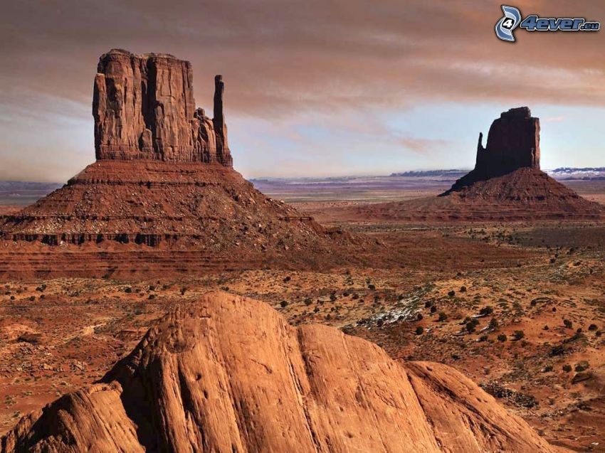 Monument Valley, USA, klippor, kullar