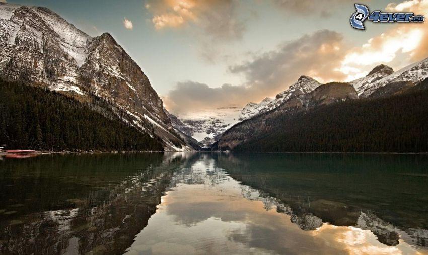 sjö, snöklädda berg, spegling