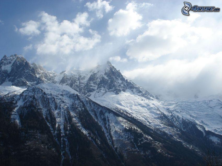 snöigt berg, moln