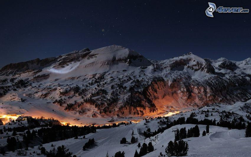 snöklädda berg, ljus, natt, stjärnor