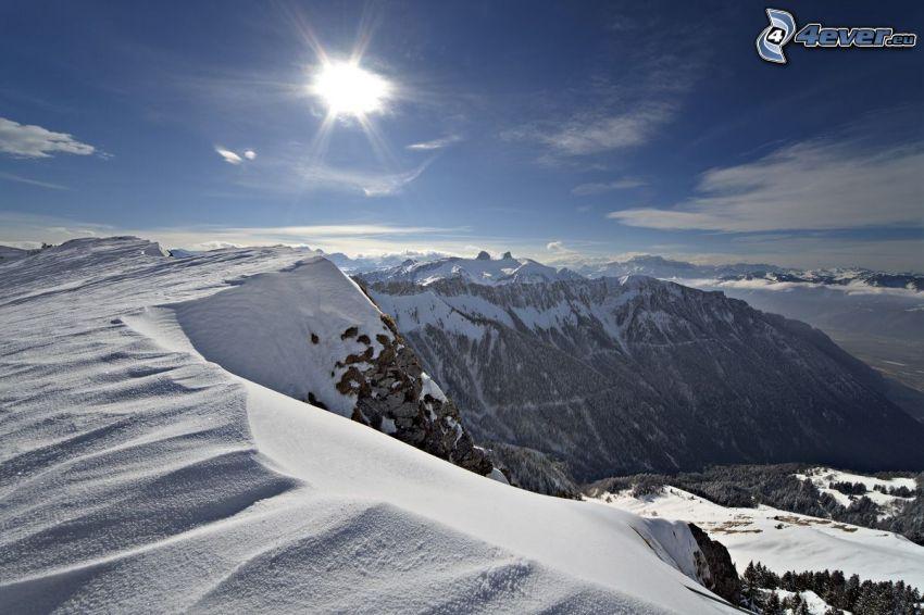 snöklädda berg, utsikt, sol