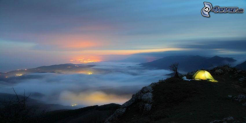 tält, klippigt berg, moln, kväll, utsikt över landskap