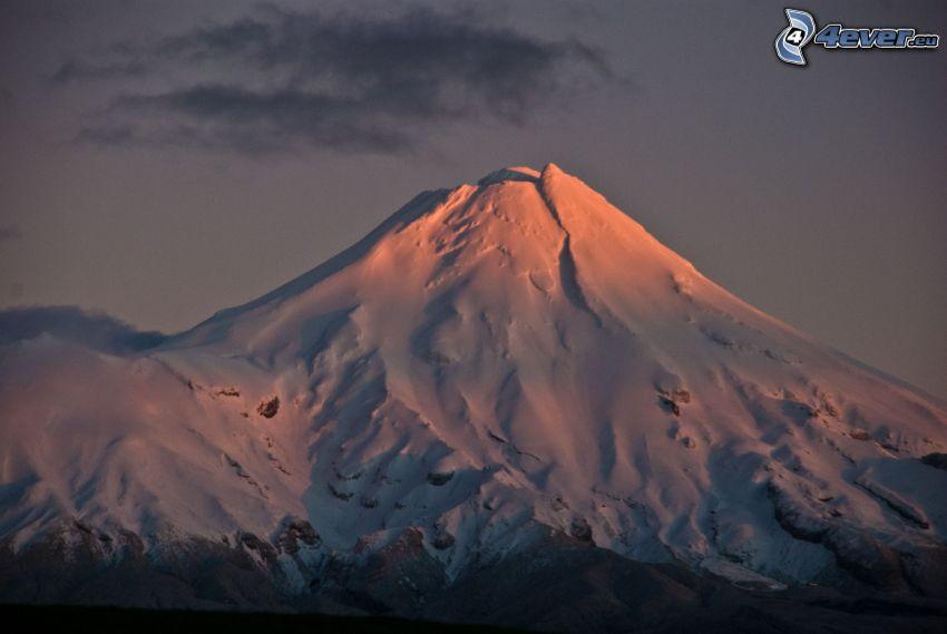 Taranaki, snöigt berg
