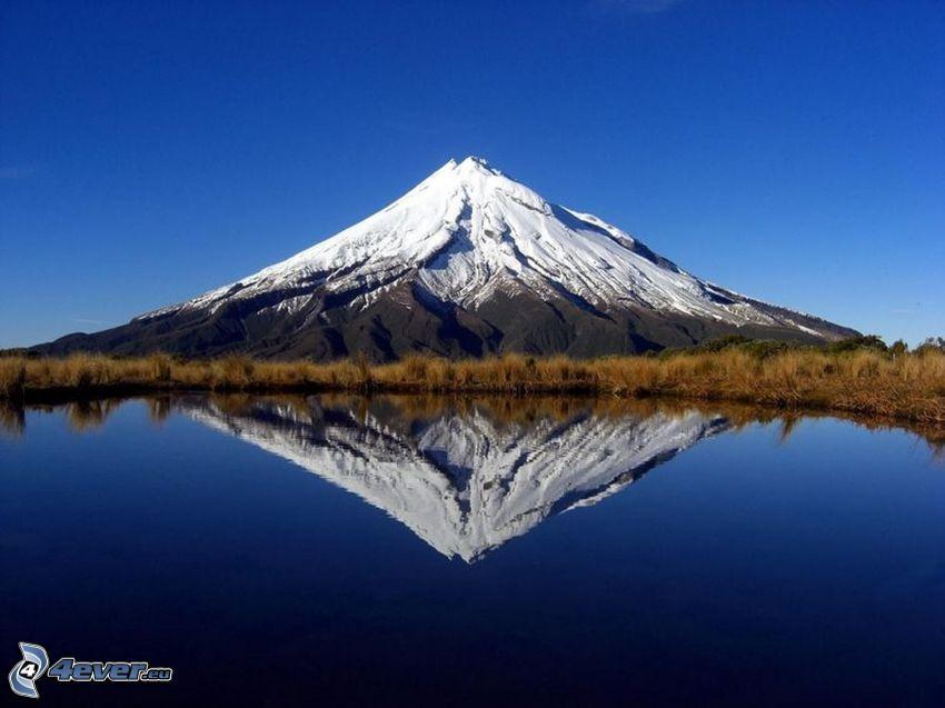 Taranaki, spegling, sjö, snöigt berg