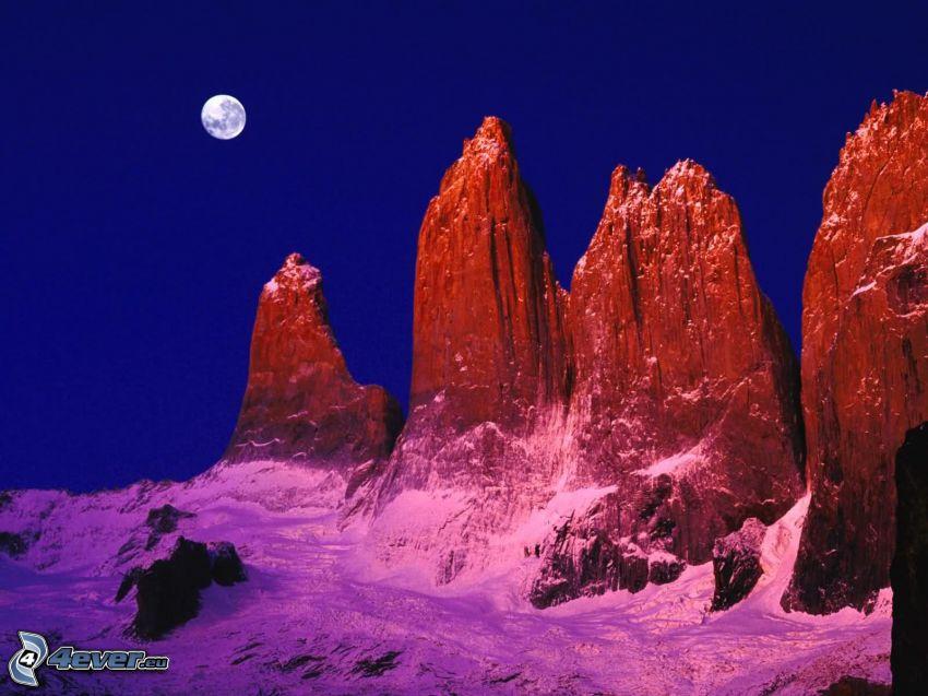 Torres del Paine, klippor, snö, Månen