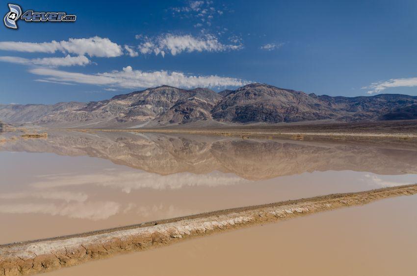 Death Valley, sandstrand, sjö, bergskedja, spegling