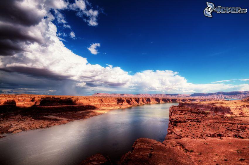 flod, ökenklippor, moln