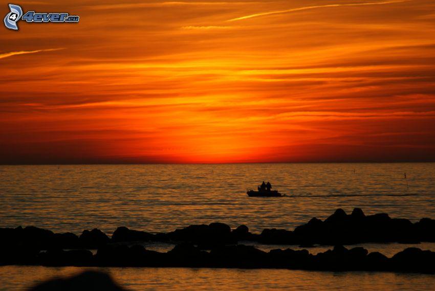 efter solnedgången, orange himmel, hav, båt