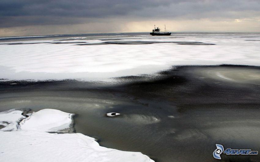 fruset hav, is, snö, båt, himmel