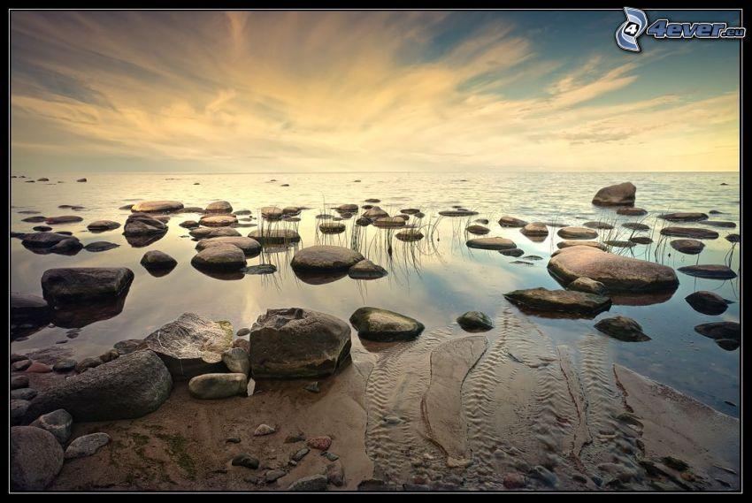 klippor i havet
