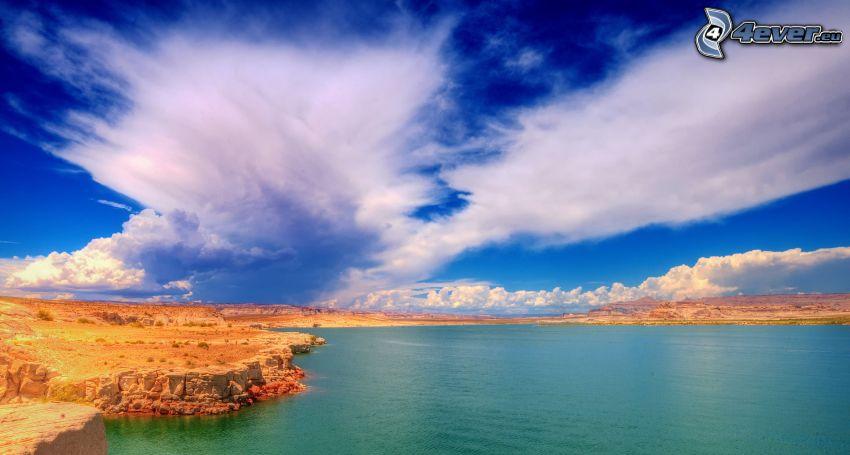 klippor vid kusten, hav, moln