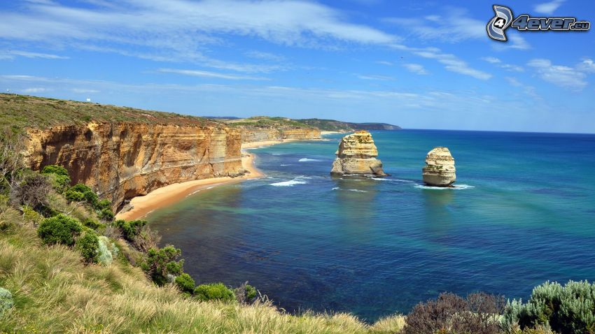 klippor vid kusten, havsutsikt