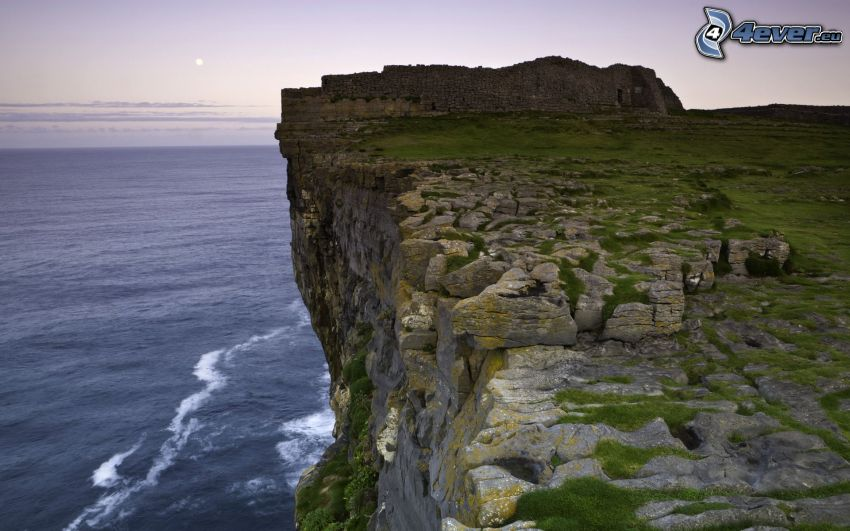 klippor vid kusten, Irland