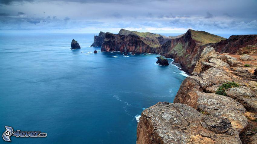 klippor vid kusten, klippor, hav