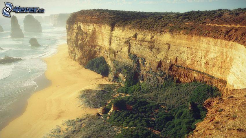 klippor vid kusten, klippor i havet