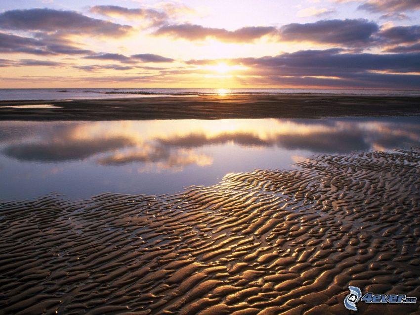 kust vid solnedgång