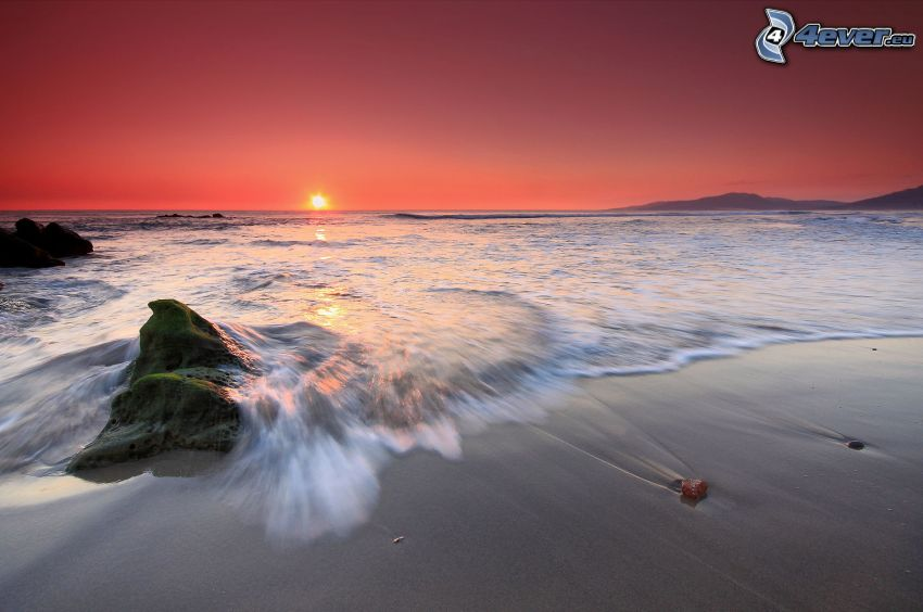 solnedgång över havet, kvällsstrand, kvällshimmel