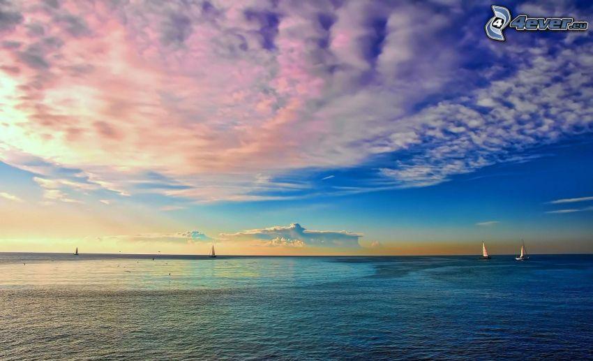 soluppgång, hav, segelbåtar