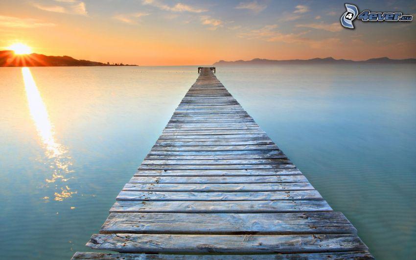 träbrygga, Mallorca, Spanien, solnedgång vid havet