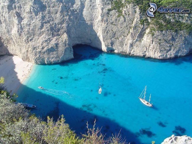 vik, azurblå hav, båtar, yacht