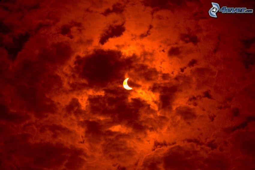 måne, orangea moln