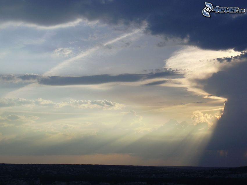 solstrålar, moln