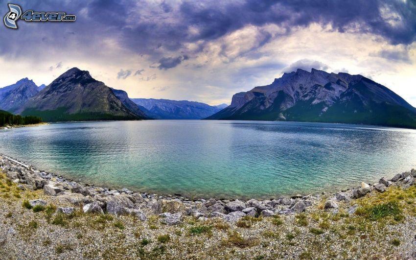Banff National Park, Alberta, Kanada, sjö, snöklädda berg