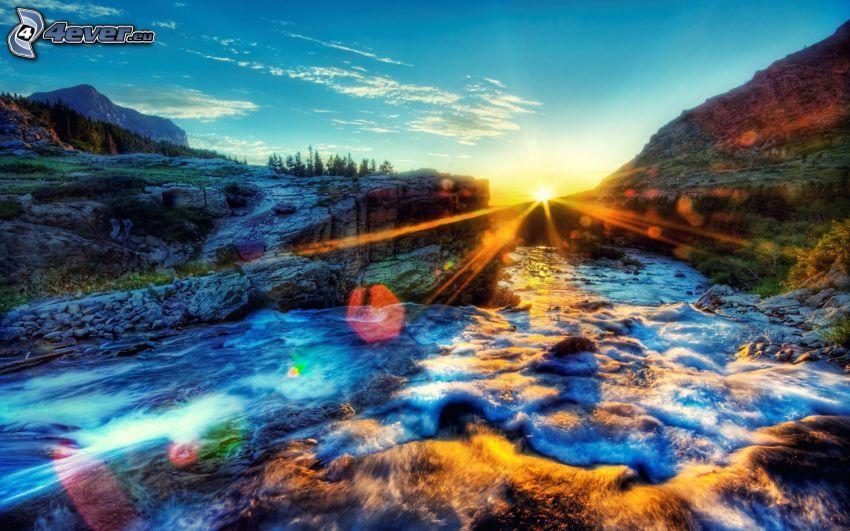 bergsbäck, solnedgång, HDR