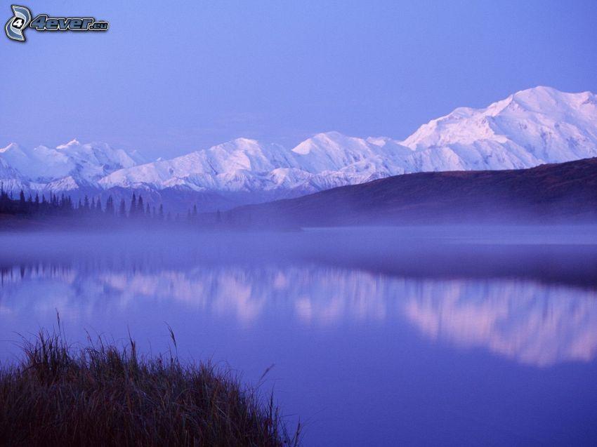 Denali National Park, Alaska, kullar, bergskedja, sjö, snö
