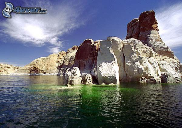 Powell, grönt vatten, klippa